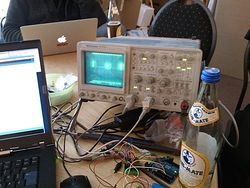 Pong on an Oscilloscope at the 2. Arduino-Workshop at Attraktor
